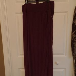 Soft Surroundings Wine Colored Pleated Skirt